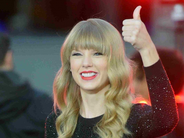 Taylor Swift Joins 'The Voice'