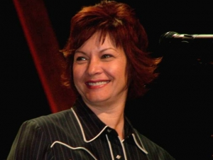 Vince Gill's Time Jumpers' Vocalist Dawn Sears has Died