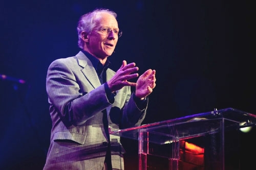 what john piper thinks of hillsong worship 39 s what a. Black Bedroom Furniture Sets. Home Design Ideas