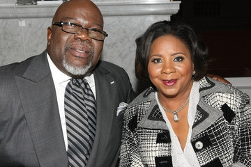 Td Jakes Daughters Wedding.T D Jakes Honors Wife On Their 35th Wedding Anniversary
