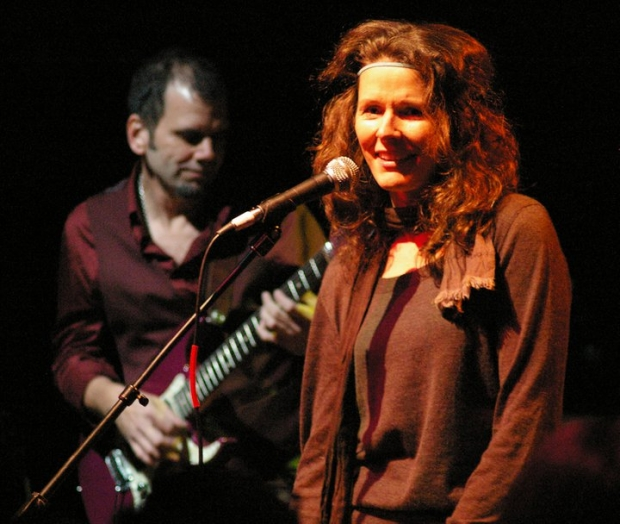 Edie Brickell and New Bohemians