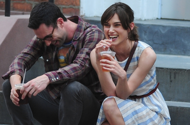 http://cdn.hallels.com/data/images/full/1865/begin-again-movie-adam-levine.jpg?w=620