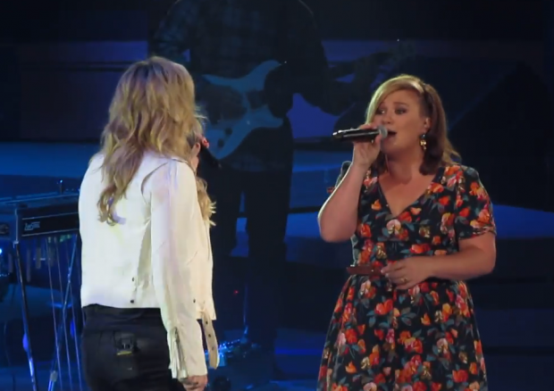 Kelly Clarkson Trisha Yearwood